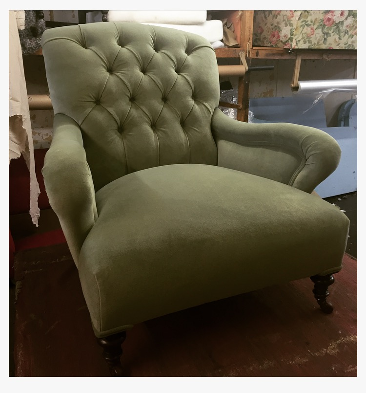 Traditional deep buttoned chair